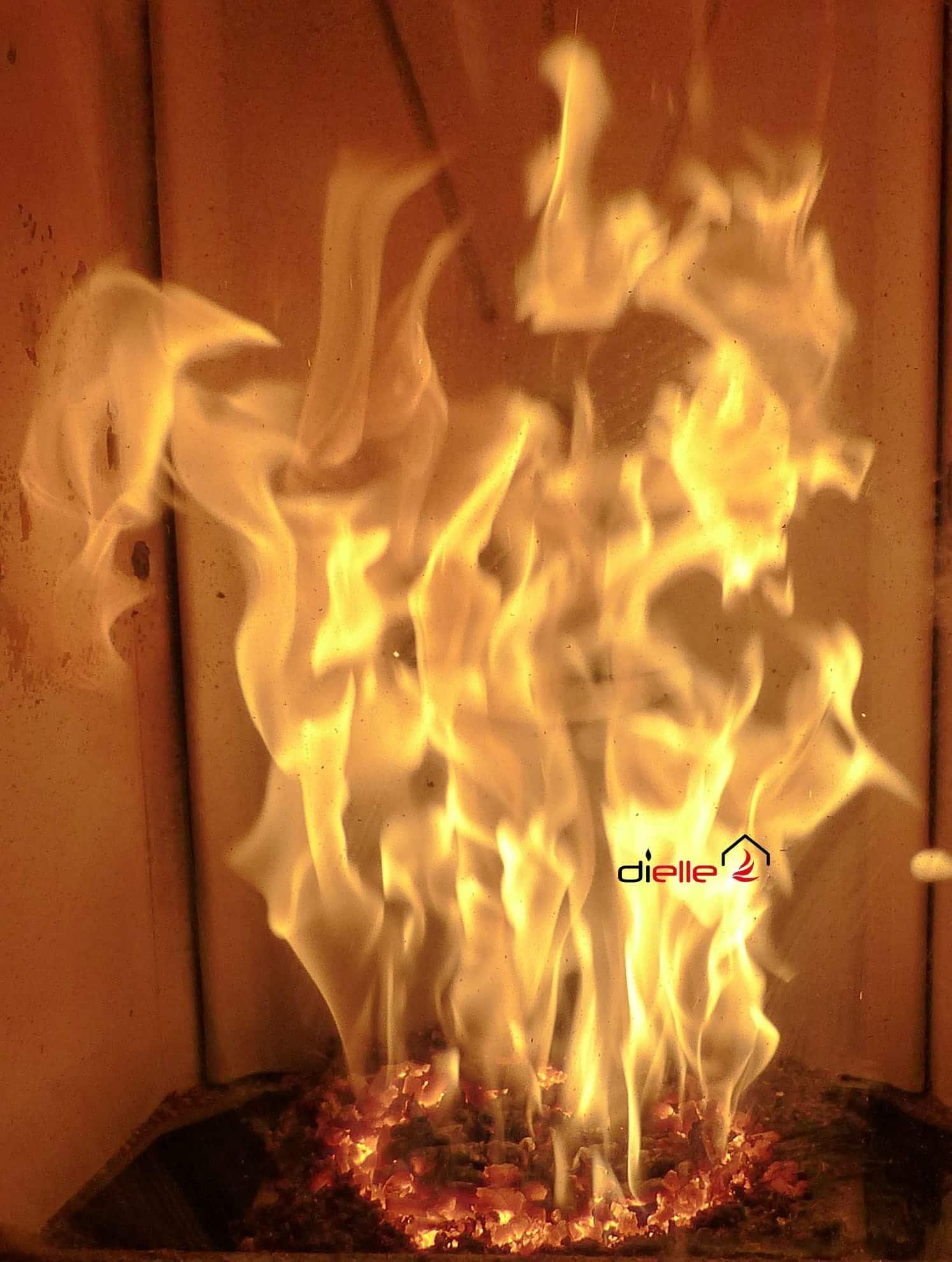 Vuurbeeld uit een Dielle pelletkachel